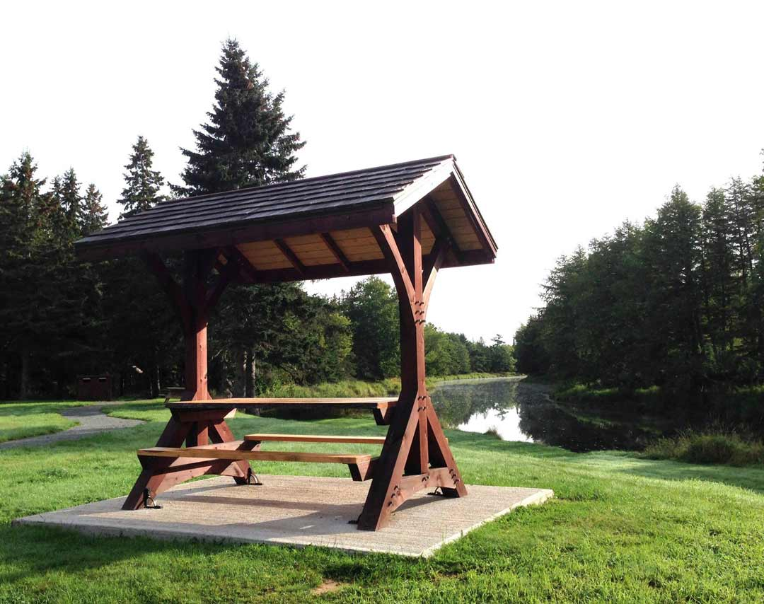 timber table shelter